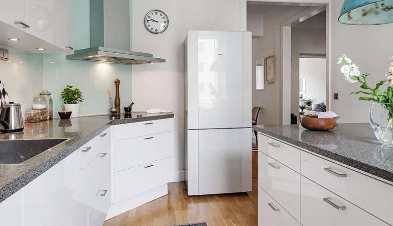 Где можно купить недорогой холодильник в Москве?